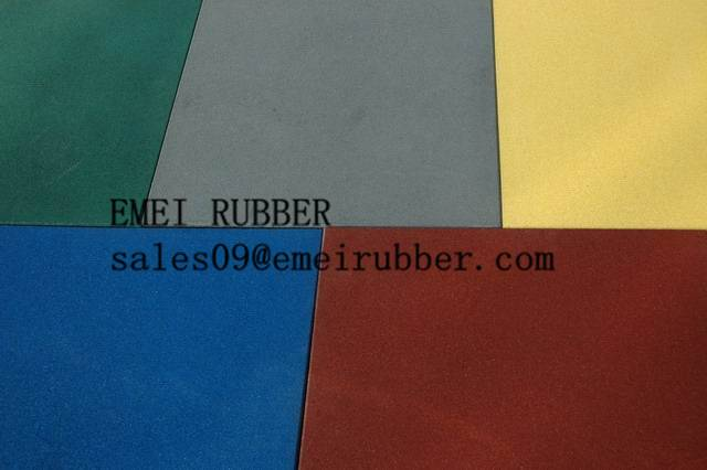 recycled rubber granules flooring