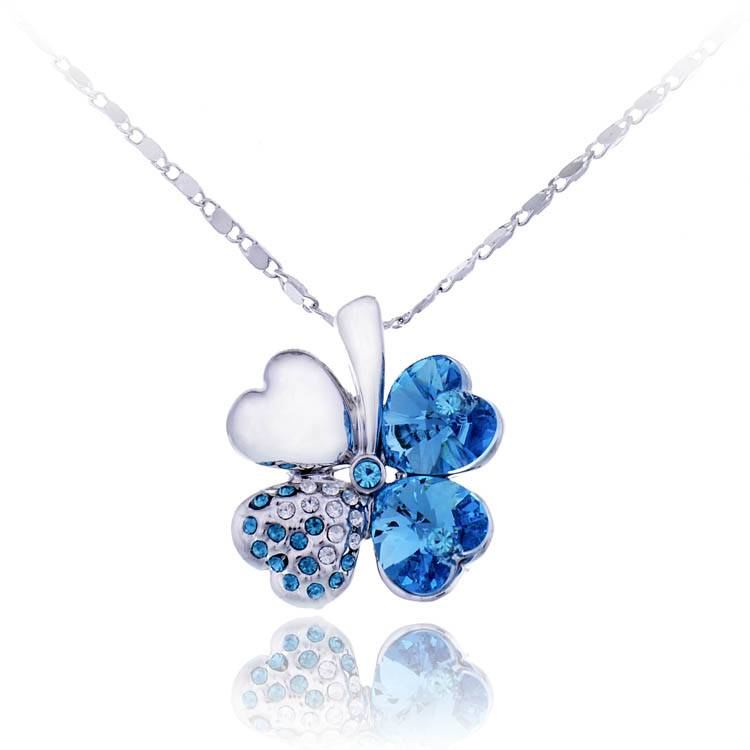 Four Leaf Clover Shamrok Pendant Necklace with Austrian Crystal