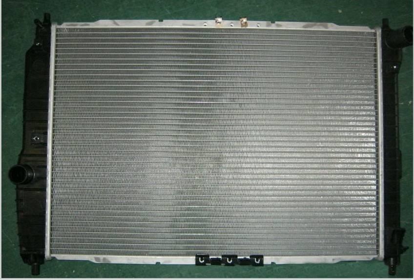 Daewoo Kalos/Aveo auto radiator 96536525