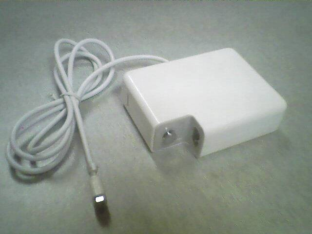 Adapter (18.5v 4.6A) for Apple Laptop