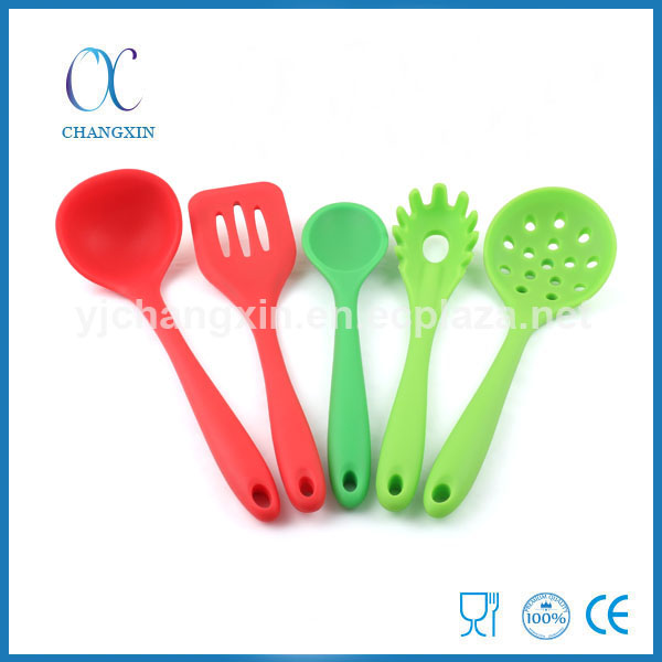 Hot Selling Non-stick Serving Utensils 5 Pieces Silicone Kitchen Utensil Set