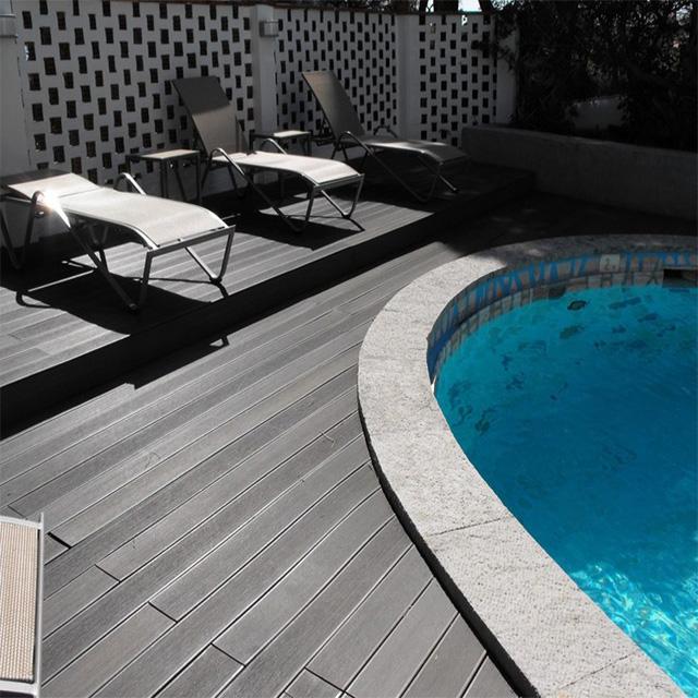 Anti-UV Extruded Plastic Composite Decking WPC Composite Board