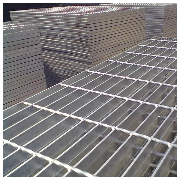 Factory direct sales of a variety of models can also be customized steel grating