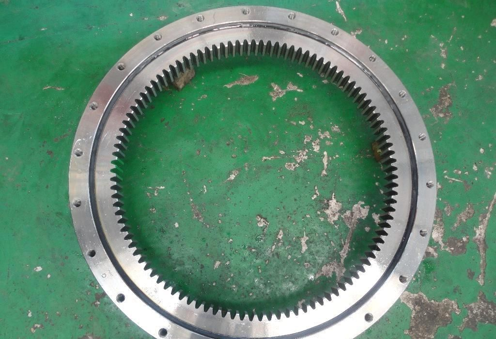 DAEWOO DH220-7LC excavator slewing bearing,DH55-5 swing circle slew ring of excavator DH300