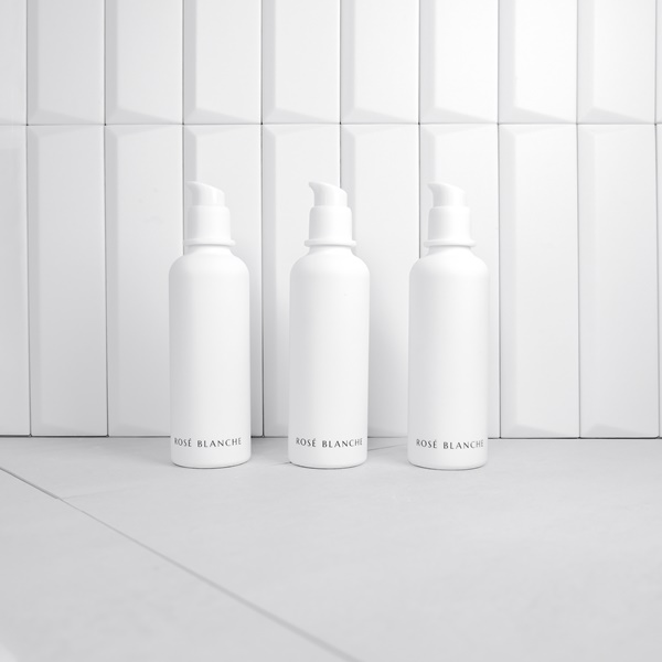 The beauty solution product ROSE BLANCHE Dust Clarifying Toner made in Korea
