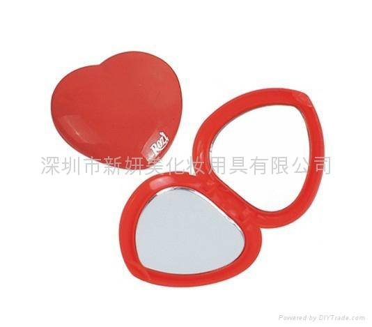 Heart Shape Compact Cosmetic Mirror