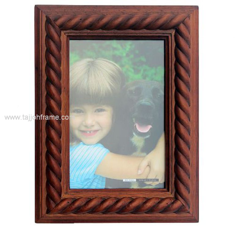 Classic Twist Linear Wooden Photo Frame