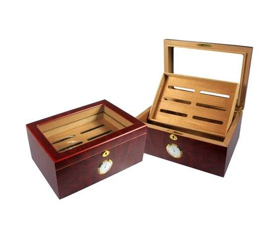 lacquered wooden cigar box