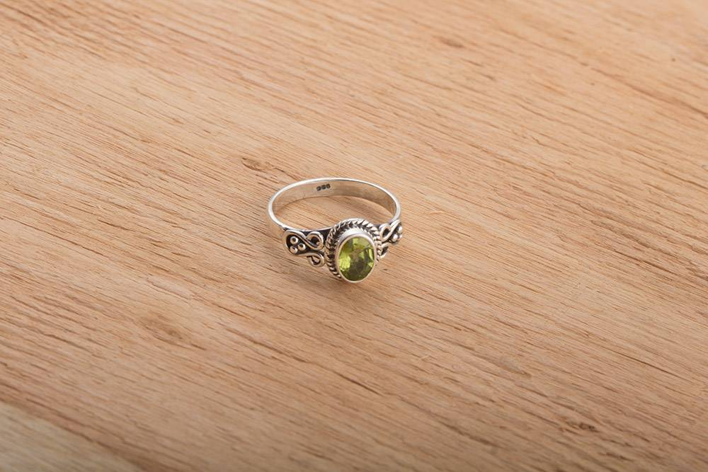 92.5 sterling silver Peridot Ring
