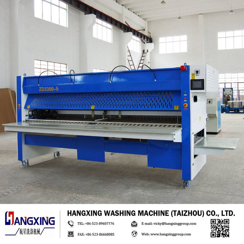 Bed sheet folding machine, sheet folder