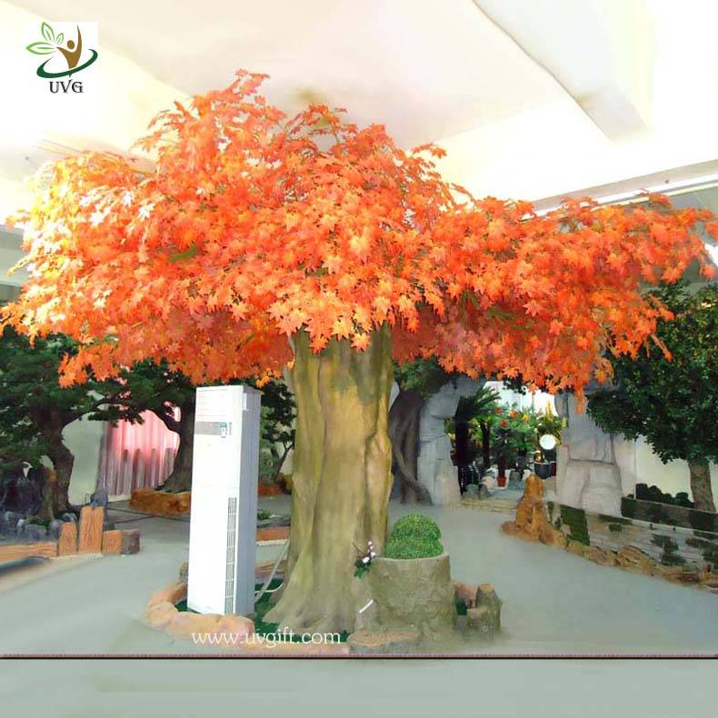UVG GRE03 indoor wooden artificial maple trees with silk leaves for hotel foyer landscaping