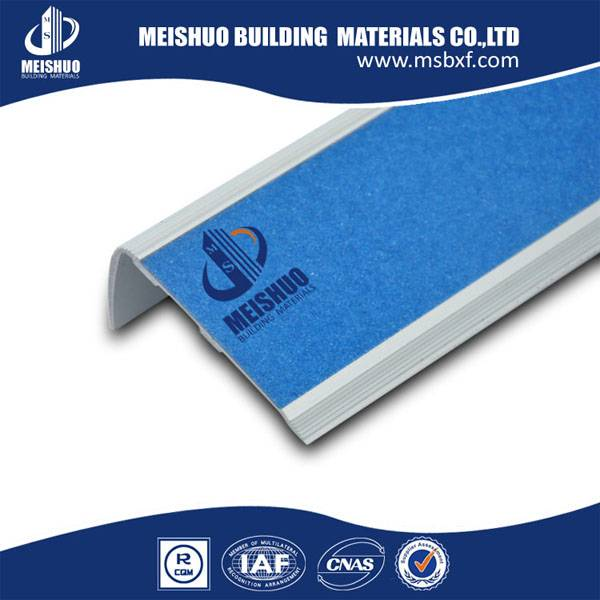 Anti-slip Carborundum insert exterior stair nosing
