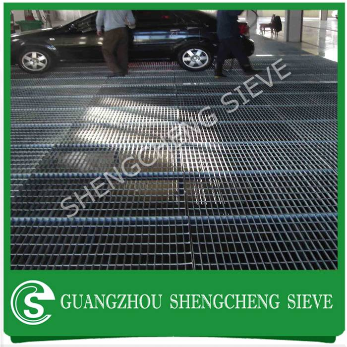 Heavy duty industrial flat bar grille grates serrated steel bar grating