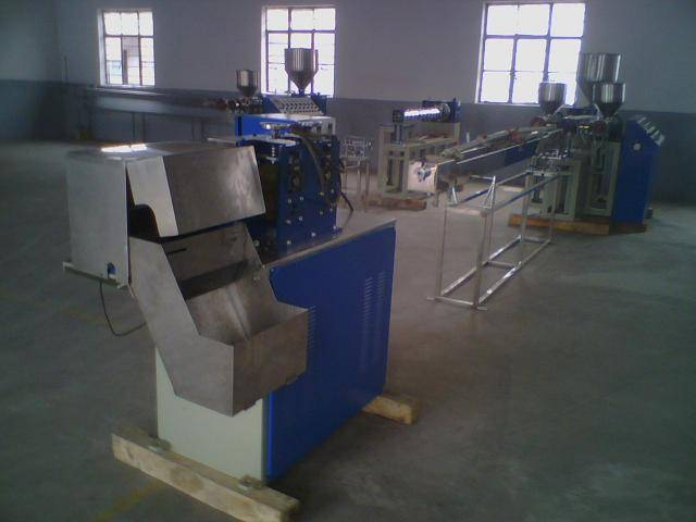 Drinking straw plastic tube extruding making machine producing line manufacturing plant