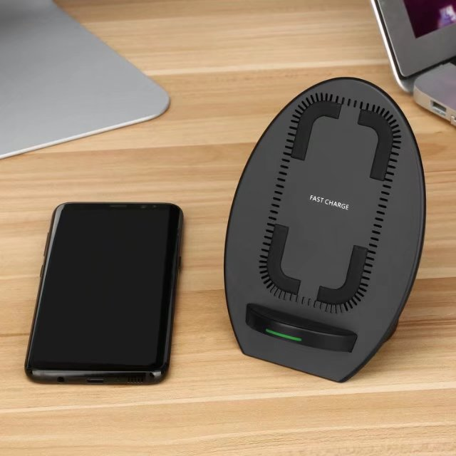 fast wireless charger with cooling fan