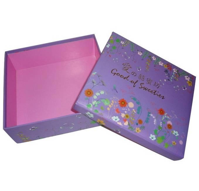 Cardboard Garment Packaging Gift Box