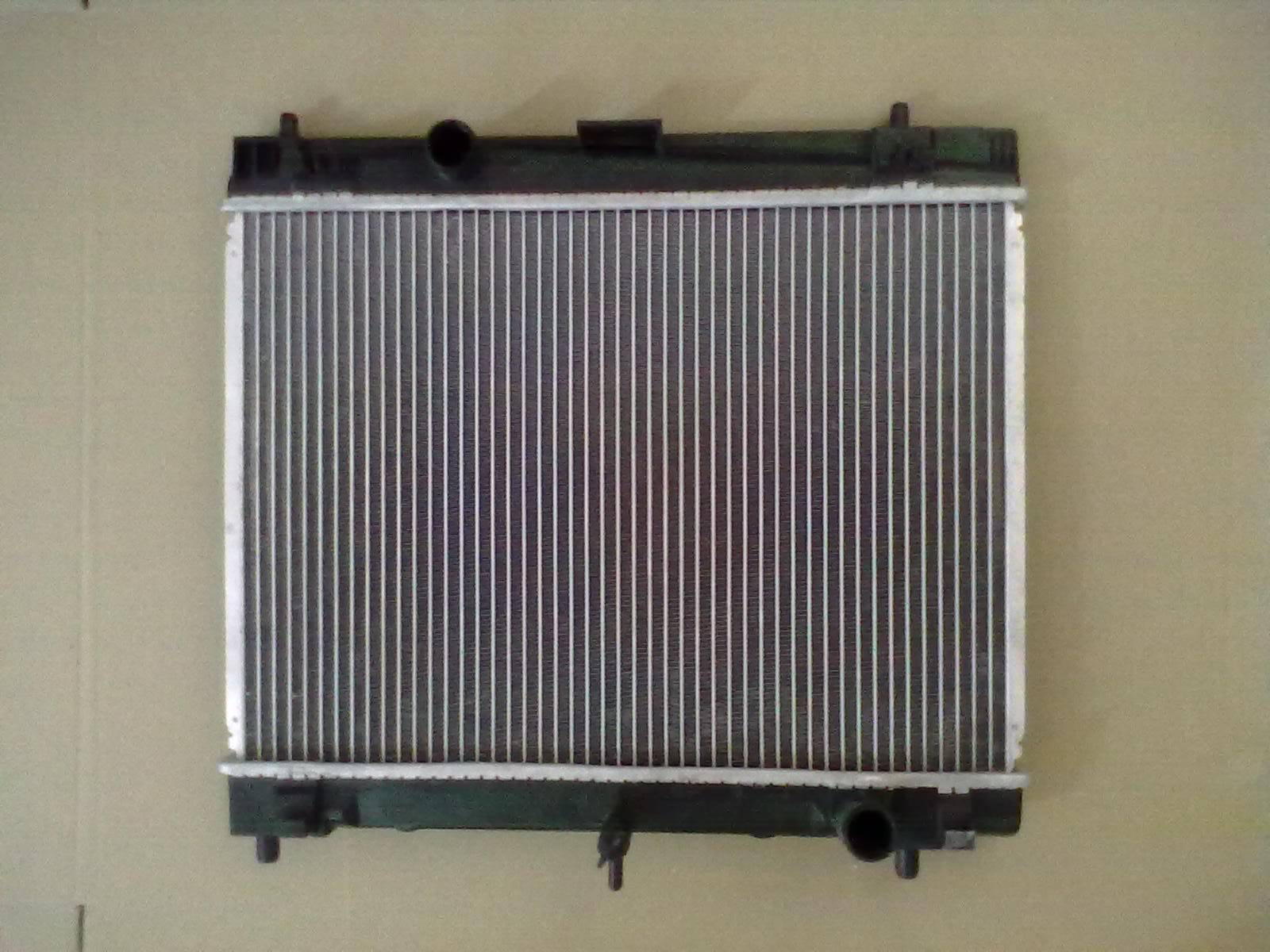 hot sale high quality aluminum car radiator for toyota yaris 06-13