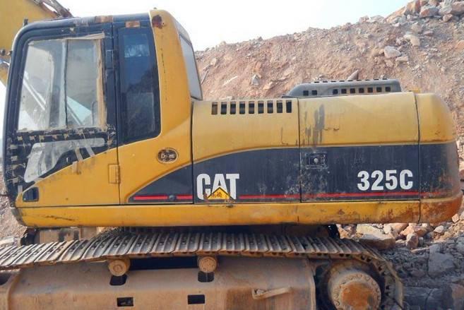 CAT 325 C excavator