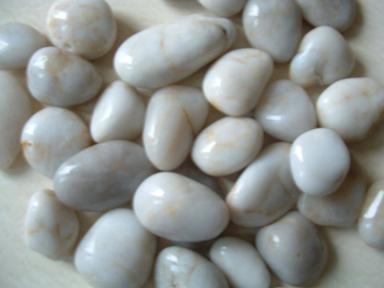 white pebble stone super