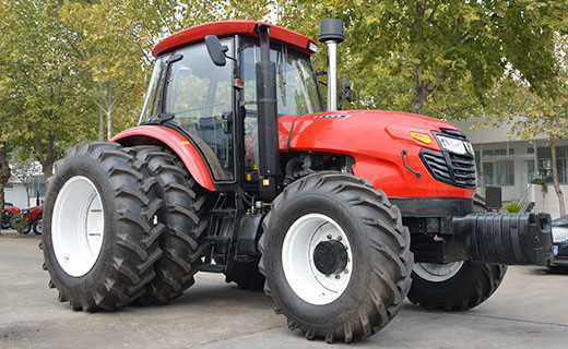 Large Agricultural Farm Wheel Tractor with Double Clutch