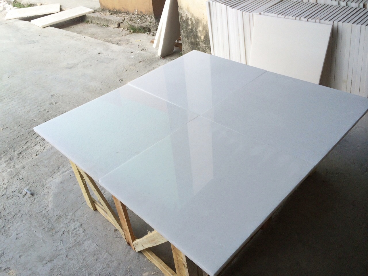 PURE WHITE MARBLE - POLISHED