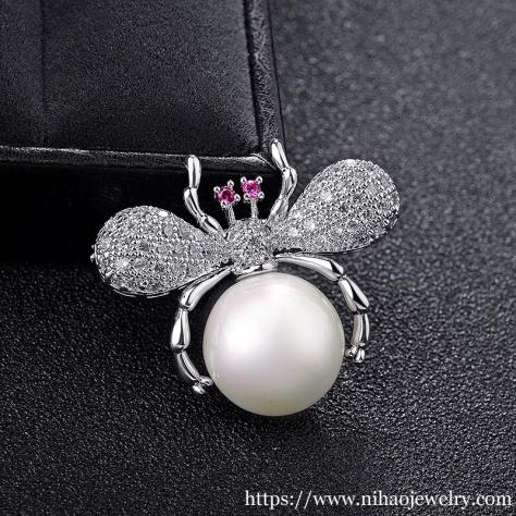 spiders decorate Jewelry