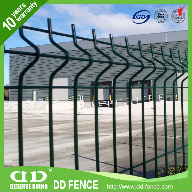 PVC coated welded curved wire mesh fence factory