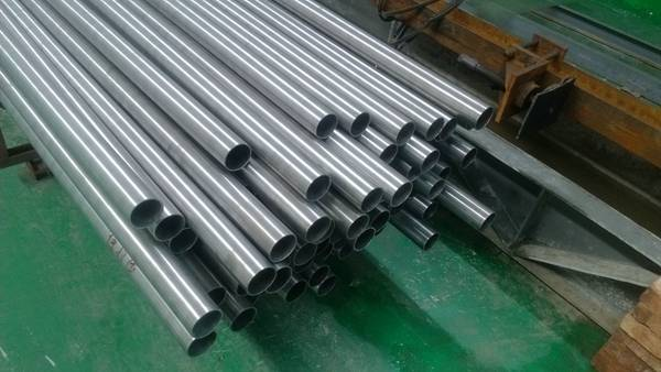China GR2 pure titanium seamless pipe wholesale