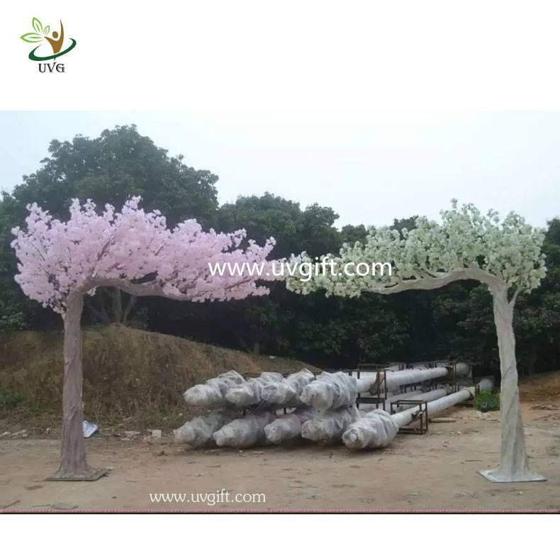 UVG CHR115 walk way cherry tree artificial blossom for wedding arch decoration