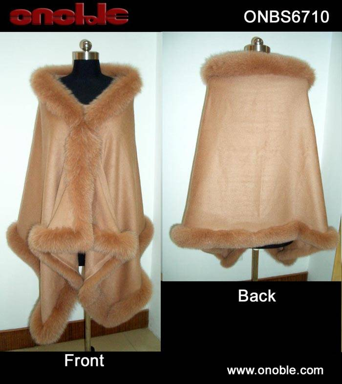 Cashmere shawl with fox trming