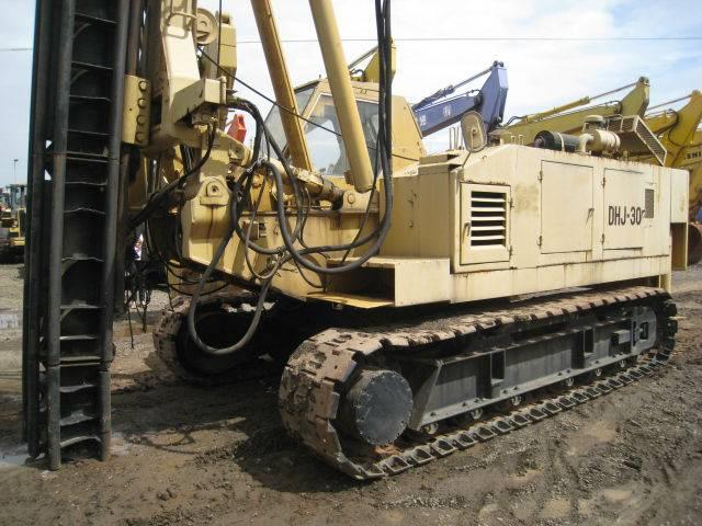 DHJ30 - Pile Driver