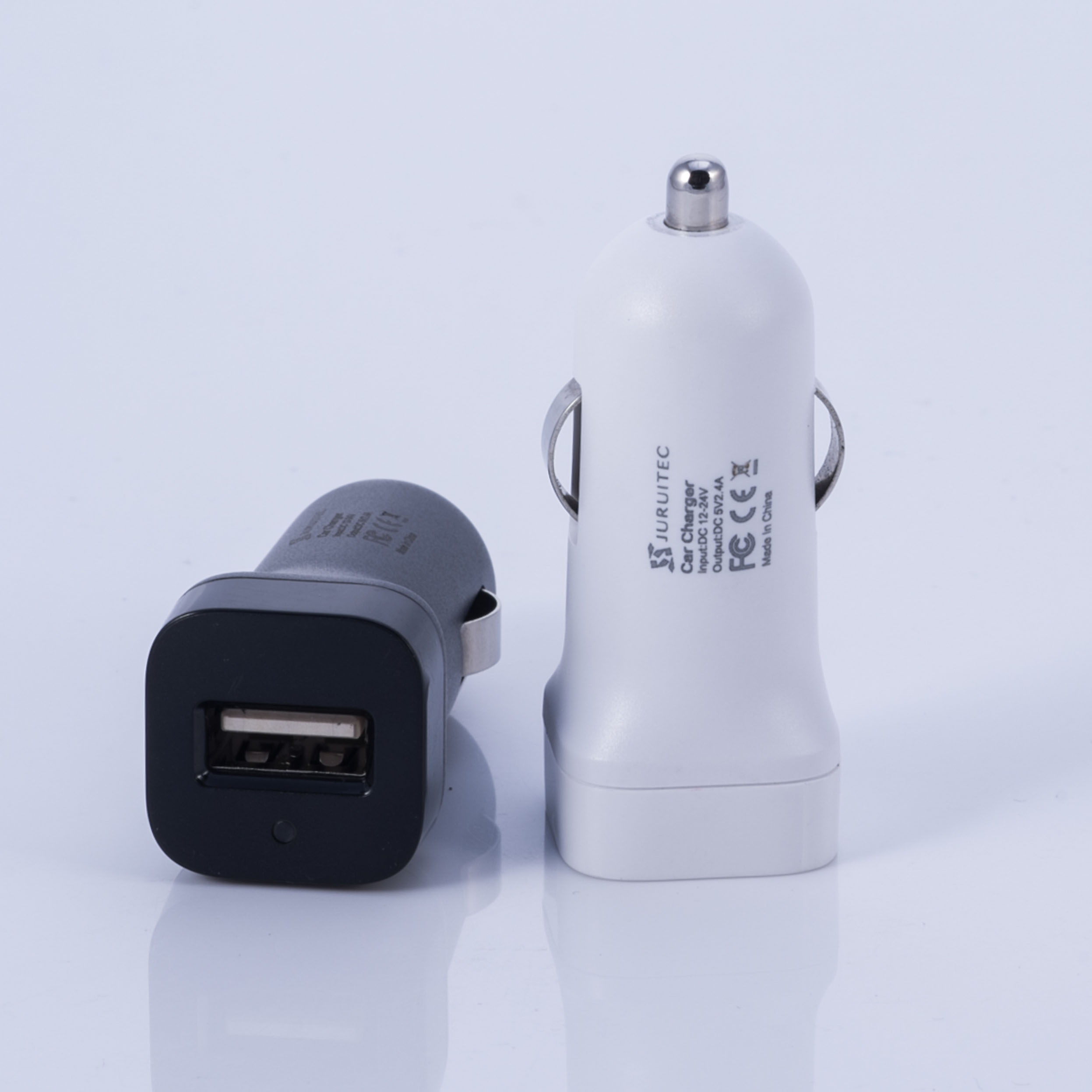 DC12V 24V Car Charger Pass Ce Certificate