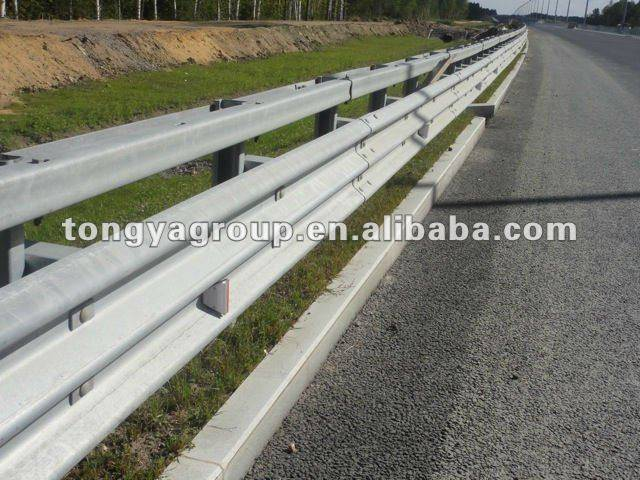 Two Waves Highway Guardrail/Safety Crash Barrier