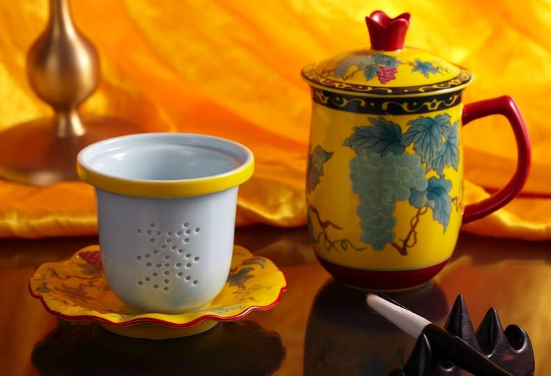 Ceramic mugs with Chinese characteristic