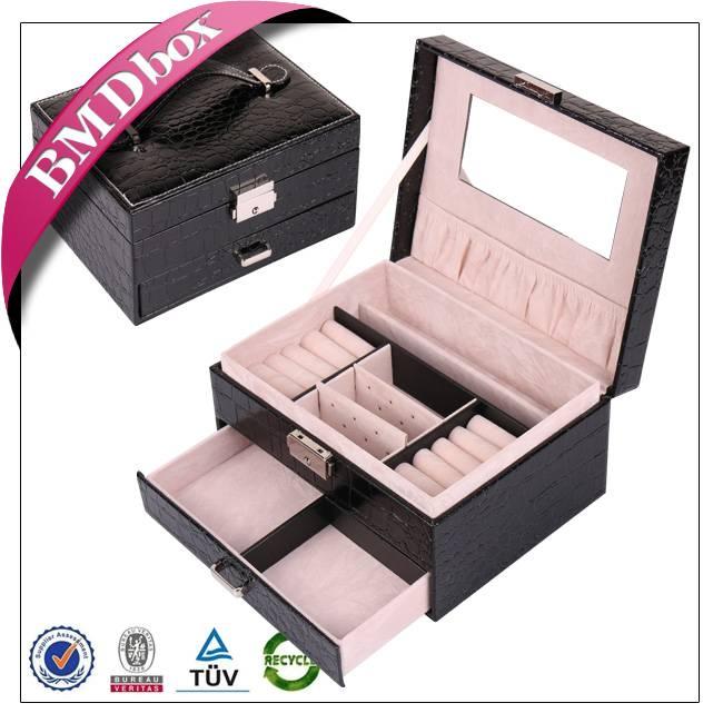 custom handmade PU leather jewelry box with lock