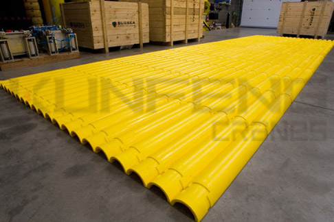 Cable protection pipe to provide protection for submarine umbilical cord and oil pipeline