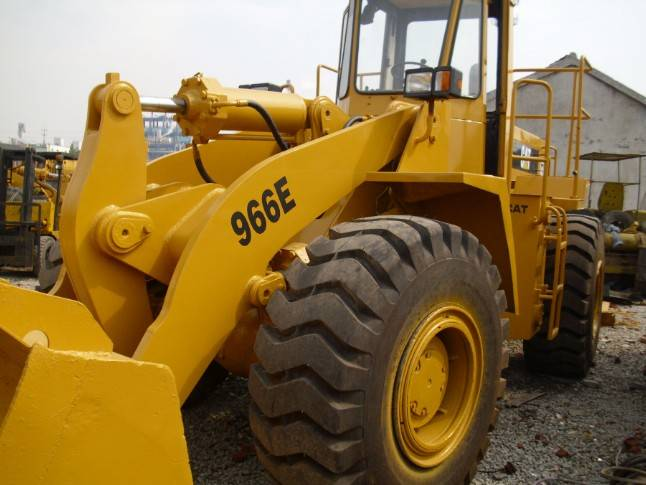 Used Cat 966e wheel loader in good condition for sale