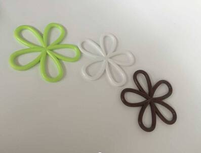 Anti - scalding kitchen flower shape mat