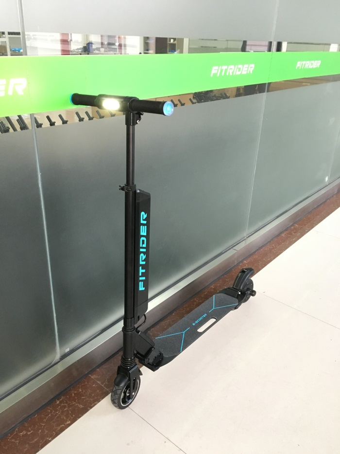 Fitrider Electric Mobility Scooter with quick release battery pack double shock-absorber spring