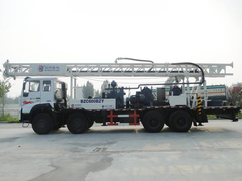 600m SINOTRUK water well drilling rig