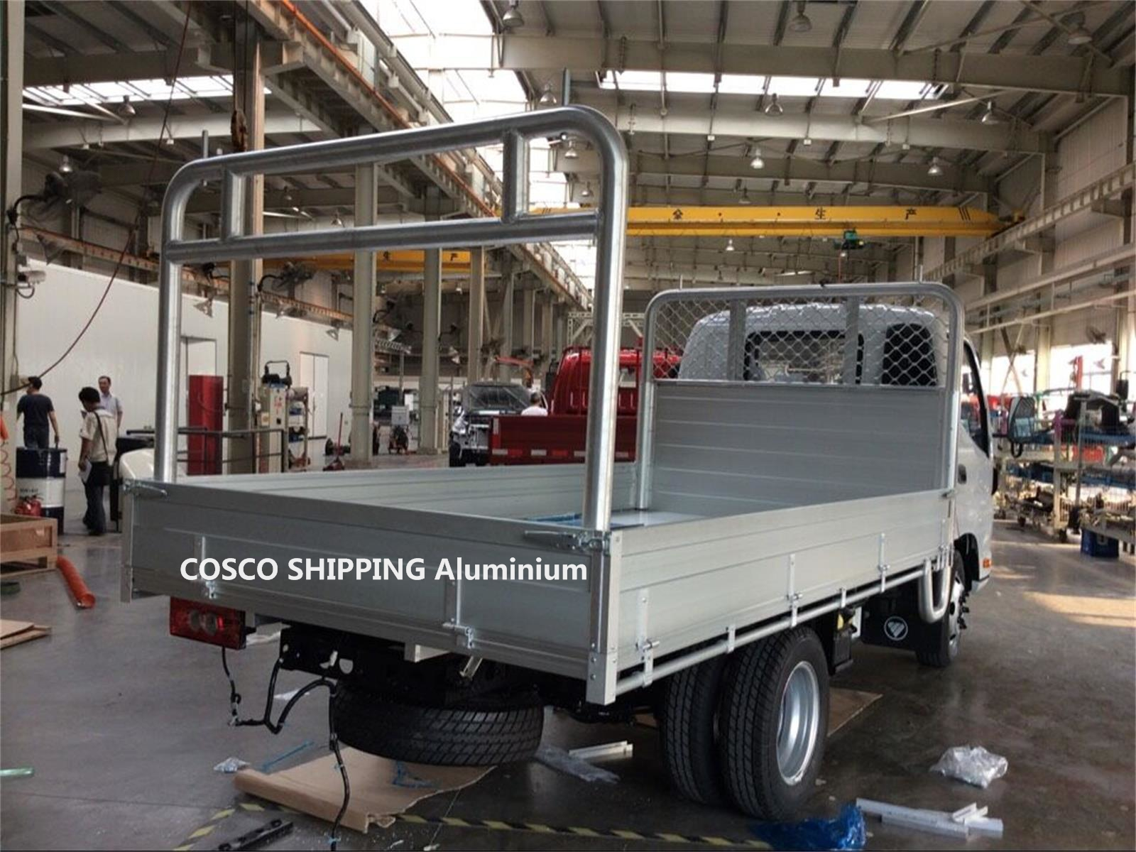 Aluminum platform flat deck truck body for light truck