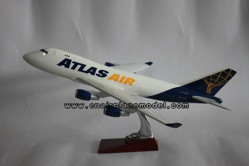resin model airplane B747-8F Atlas Air 47cm