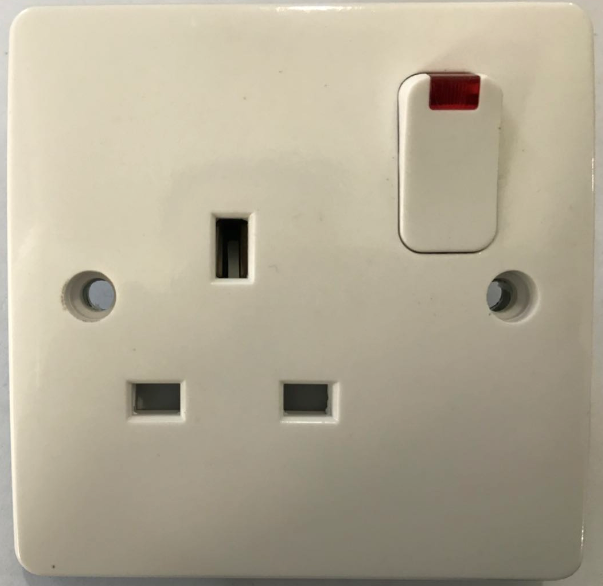 (LA) 13A switched socket with neon
