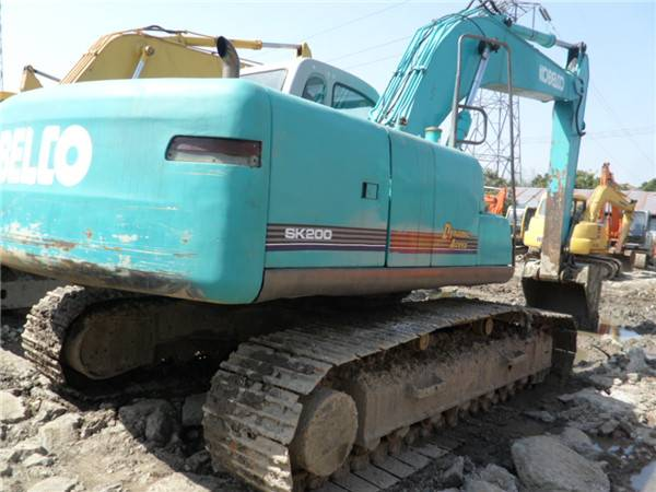 Used kobelco SK200 excavator