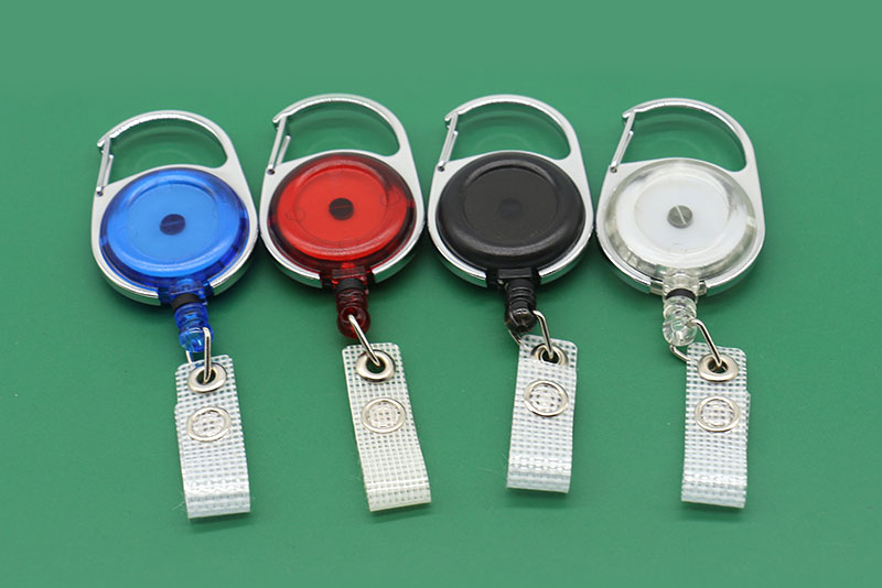 CARABINER RETRACTABLE RECOIL YOYO SKI PASS ID CARD HOLDER BADGE REEL KEY CHAIN