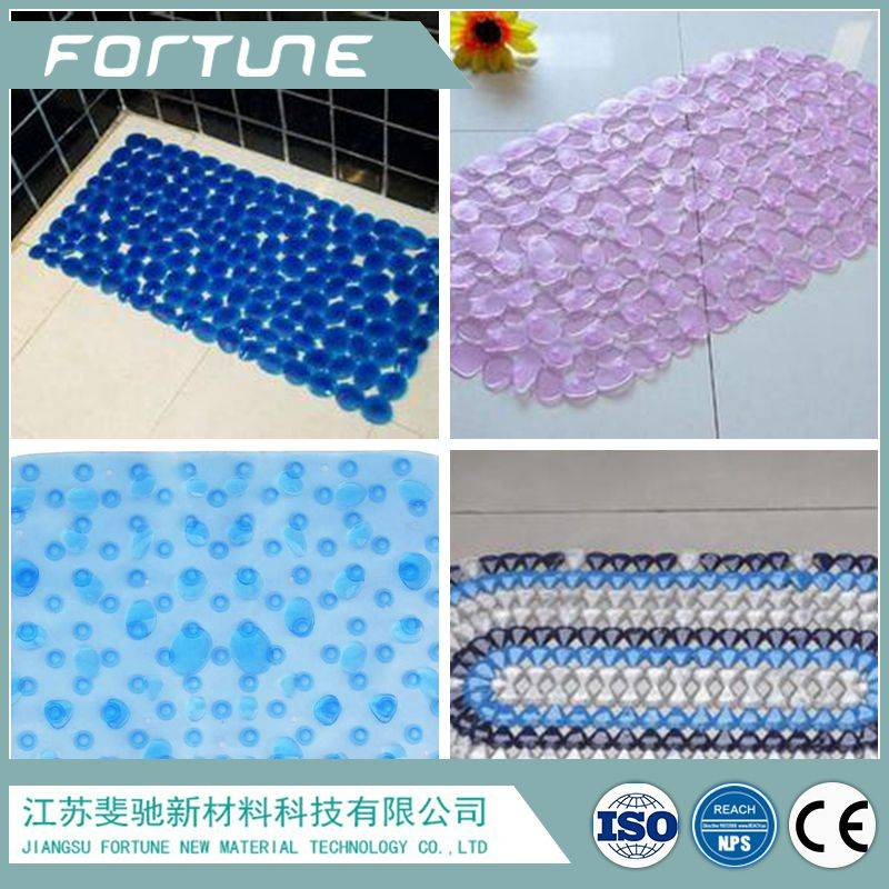 pvc anti slip bath mat in the bathroom