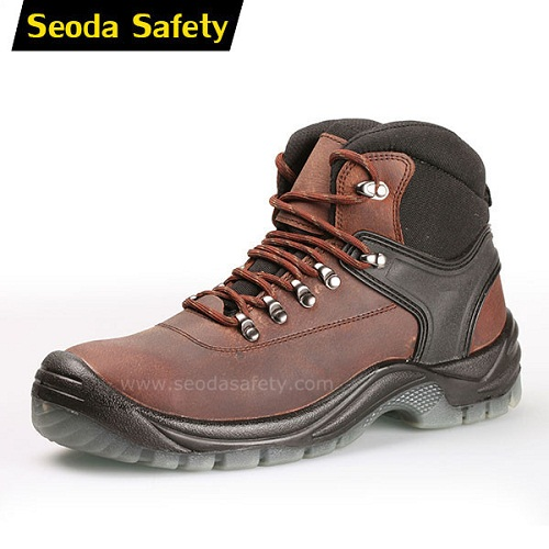 Anti slip PU injection safety shoes