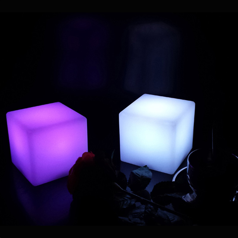 Rechargeable 16 Color Change and 4 Flash Modes Li-Polymer Battery Small LED Cube Table Lamp