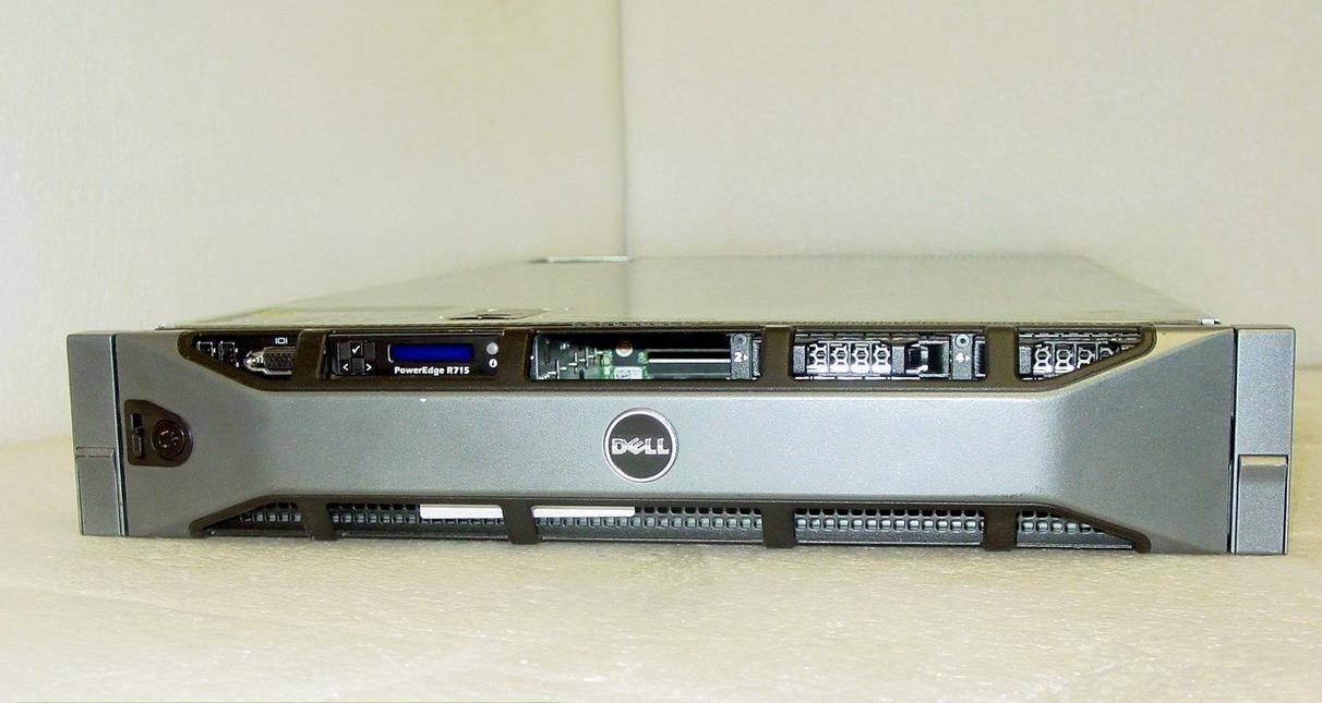 "Dell PowerEdge R715 2x 2.0GHz AMD 6128 8Core 32GB RAM 6x 146GB 2.5"" HD PERC H200"