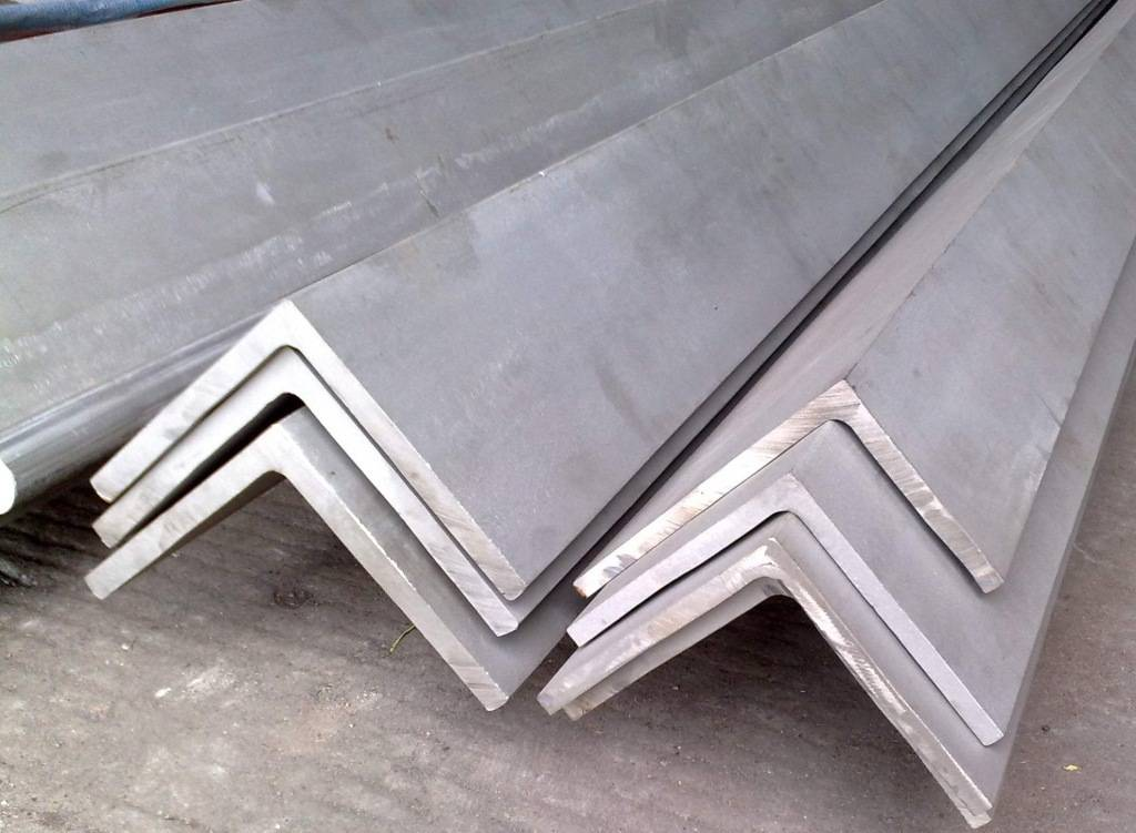 Hot Rolled Mild Steel Angle Steel Bar / Steel Angle Supplier